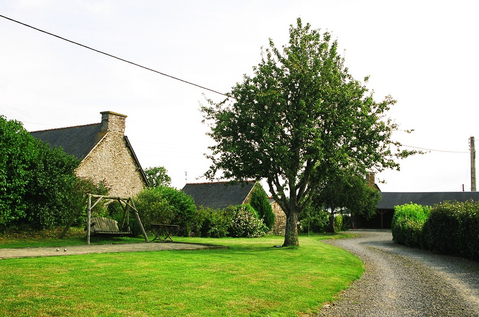 Brittany gites Boules pitch Holiday cottage