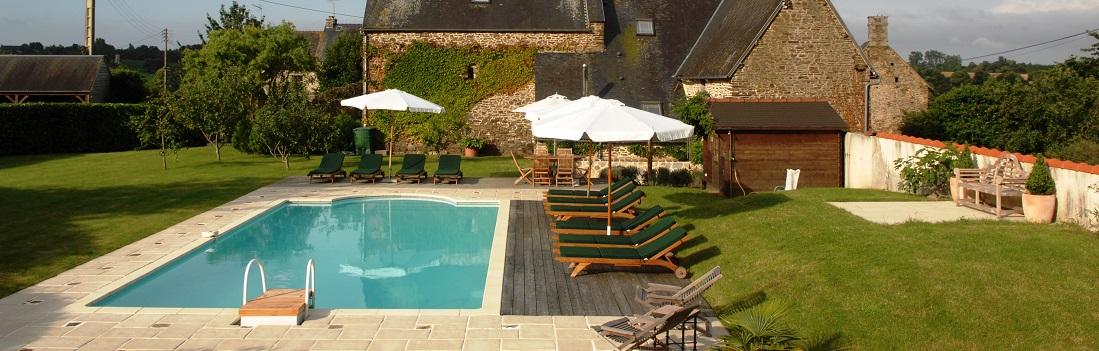Villa swimming pool Brittany