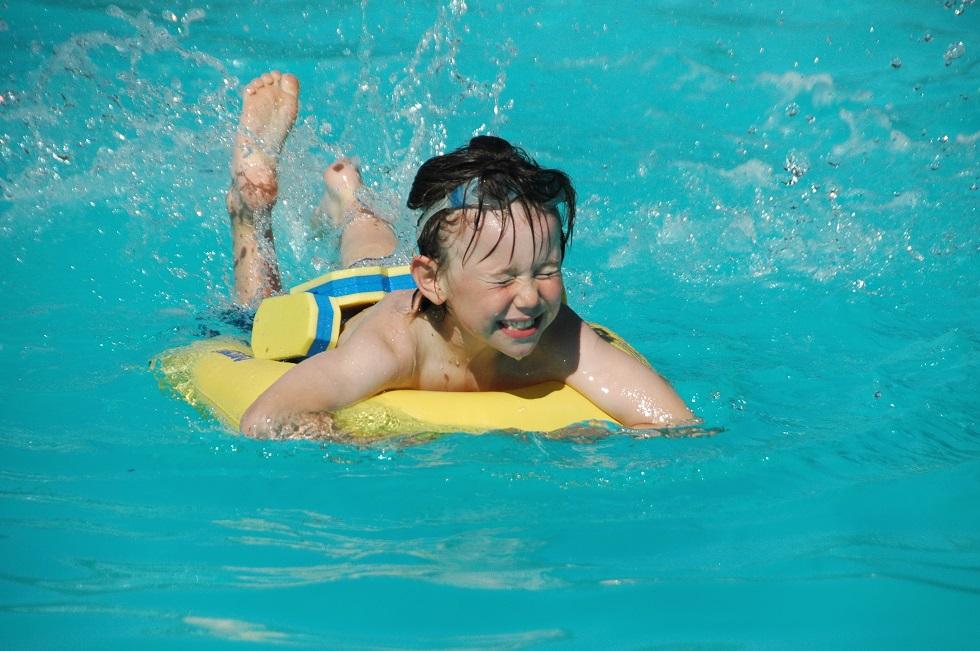 safe swimming pool villa