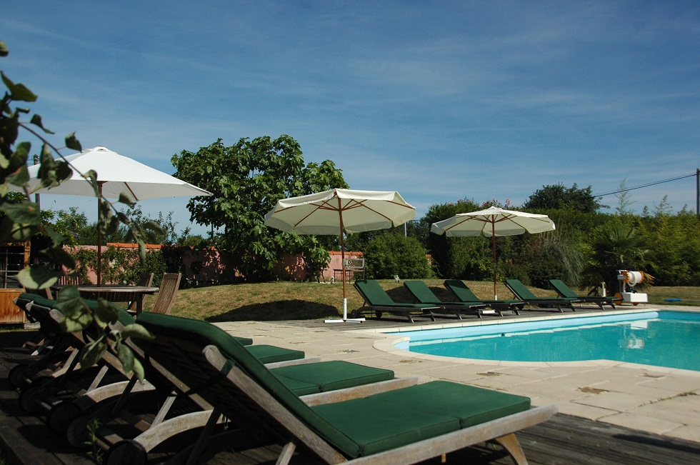 Holiday gite Brittany private heated swimming pool